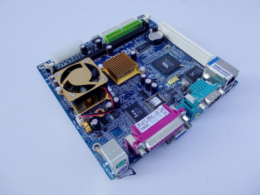 Gigabyte VIA mini-ITX GA-PCV2 Motherboard