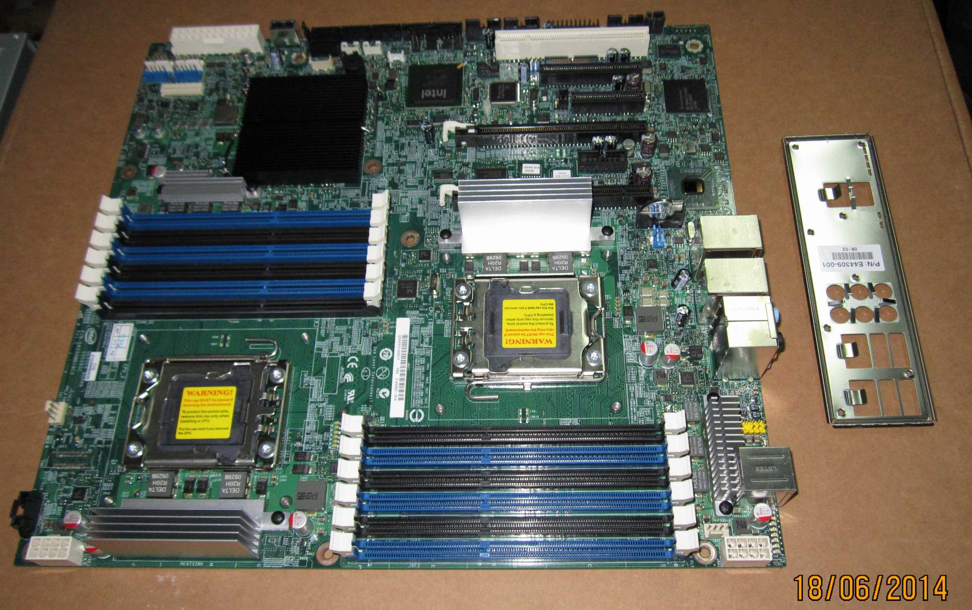 Intel S5520SCR Chipset-Intel 5520 Socket-Dual LGA1366 DDR3 Server Board