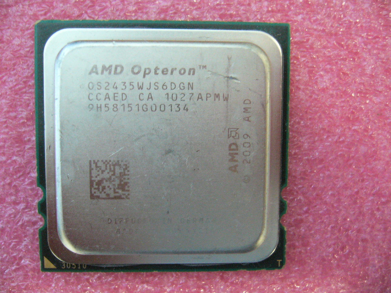 QTY 1x AMD Opteron 2435 2.6 GHz Six Core (OS2435WJS6DGN) CPU Socket F 1207
