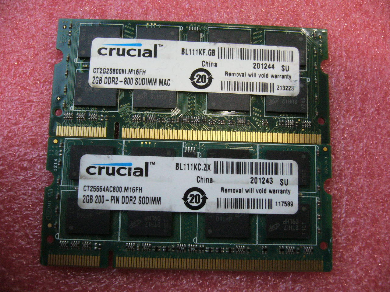4GB Lot, QTY 2x 2GB Crucial DDR2 PC2-6400S 200-pins SO-DIMM memory for laptop