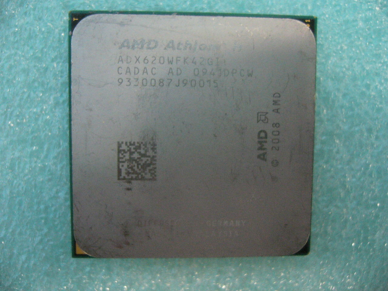 QTY 1x AMD Athlon II X4 620 2.6 GHz Quad-Core (ADX620WFK42GI CPU AM3 938-Pin