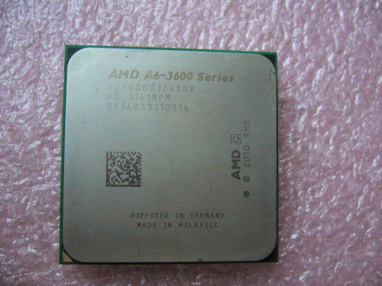 QTY 1x AMD A6-3600 2.1 GHz Quad-Core (AD3600OJZ43GX) CPU Socket FM1 NOT WORKING