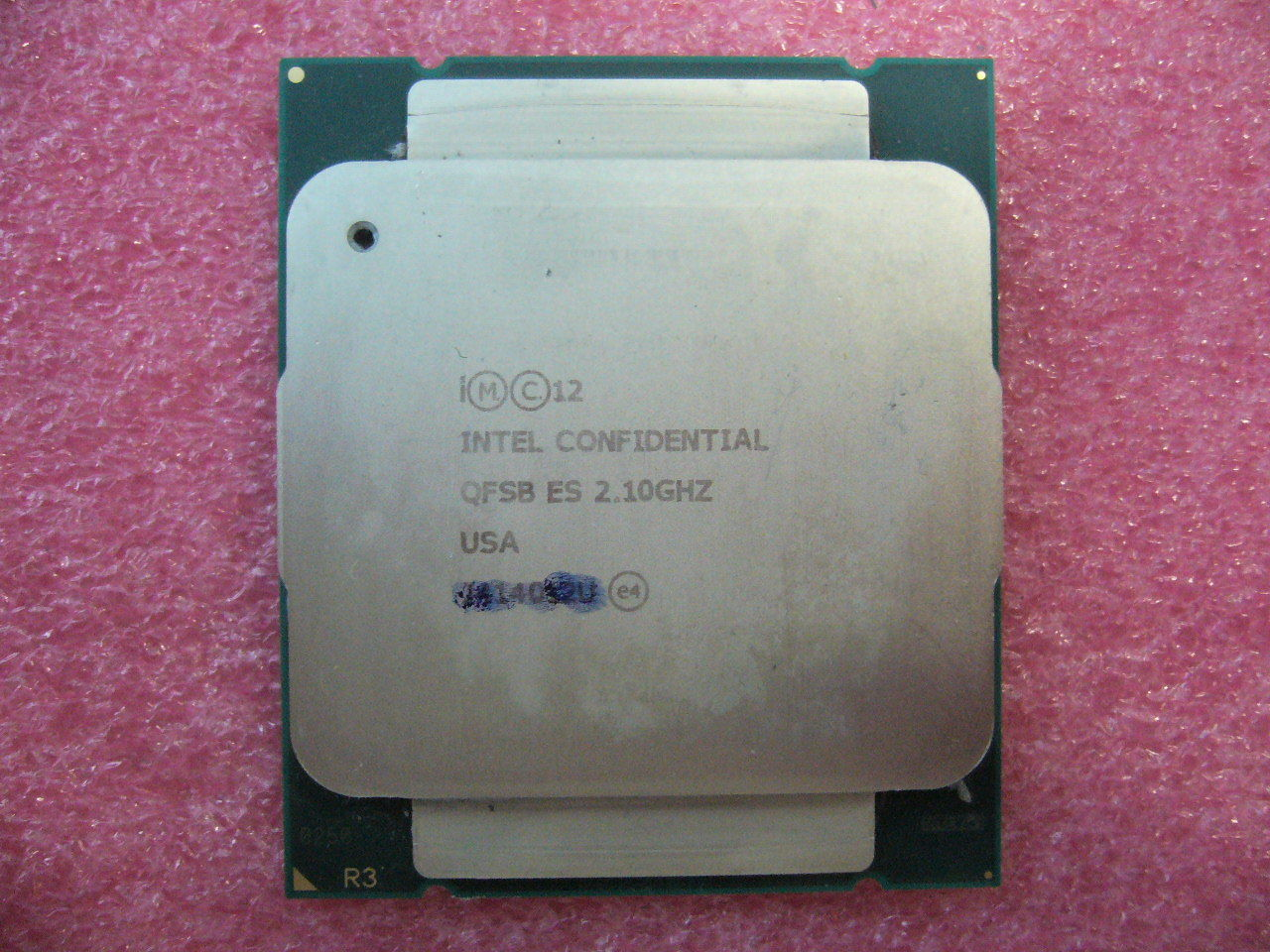 QTY 1x Intel ES CPU E5-2650 V3 Ten-Cores 2.1 Ghz 25MB Cache LGA2011-3 QFSB