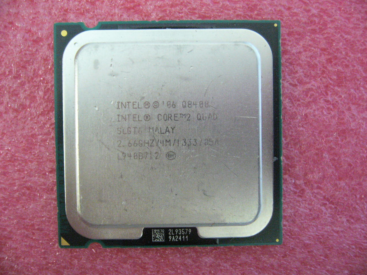 QTY 1x INTEL Core2 Quad Q8400 CPU 2.66GHz/4MB/1333Mhz LGA775 SLGT6