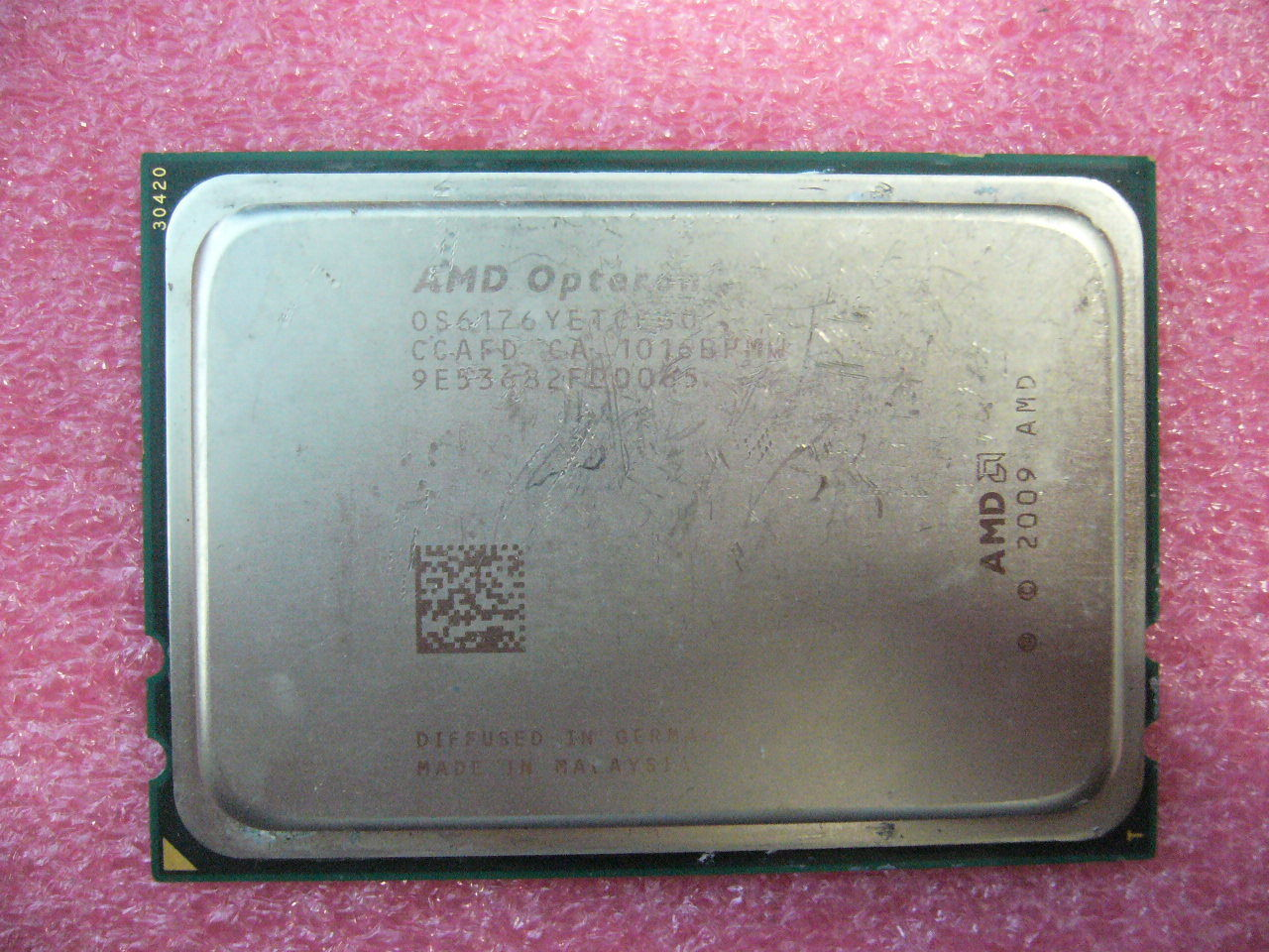 QTY 1x AMD Opteron 6176 SE 2.3 GHz Twelve Core (OS6176YETCEGO) CPU Tested G34