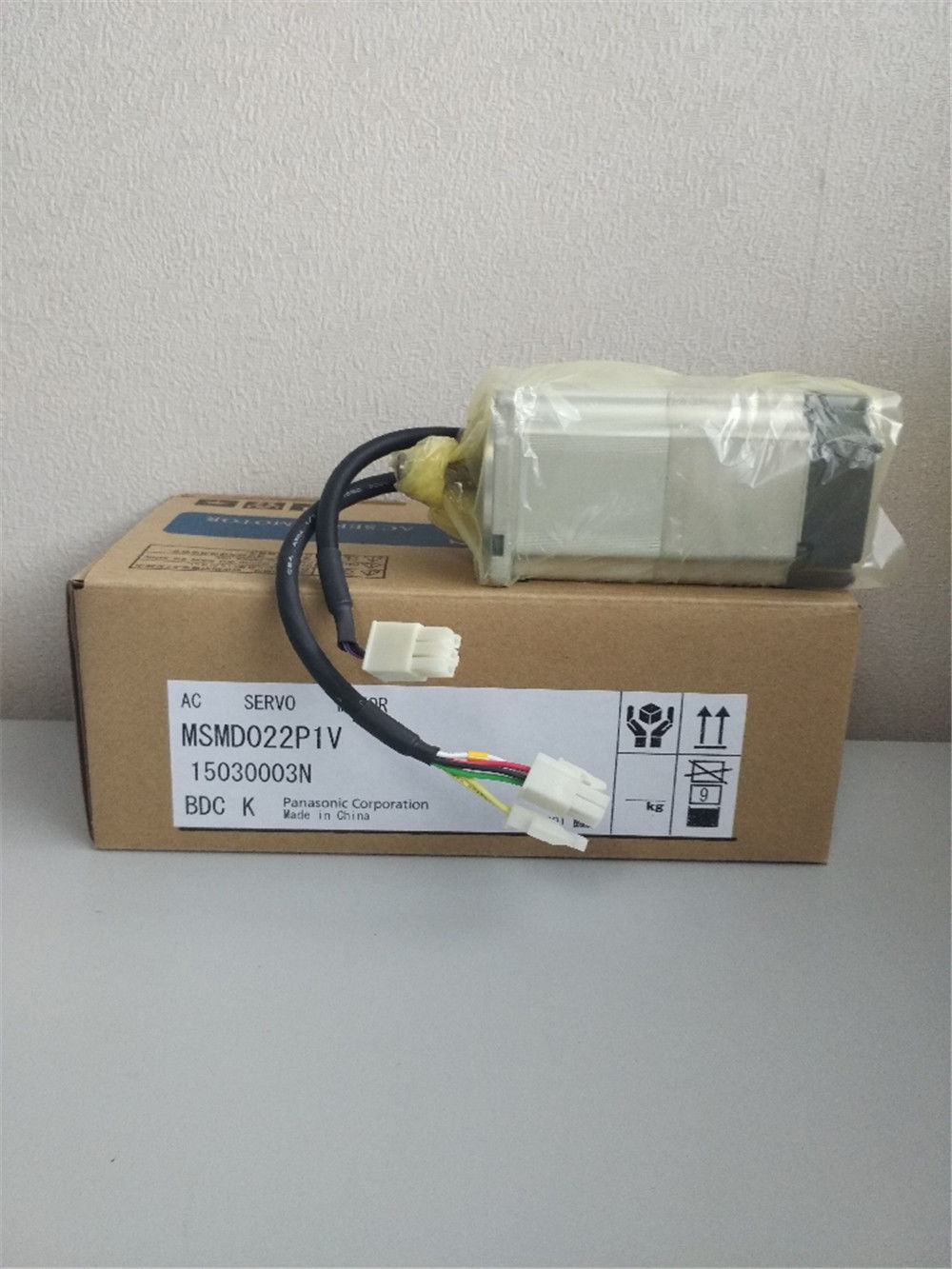 100% NEW PANASONIC AC servo motor MSMD022P1V in box