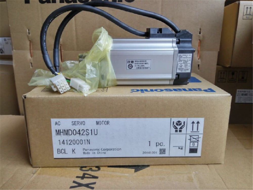 100% NEW PANASONIC servo motor MHMD042S1U in box