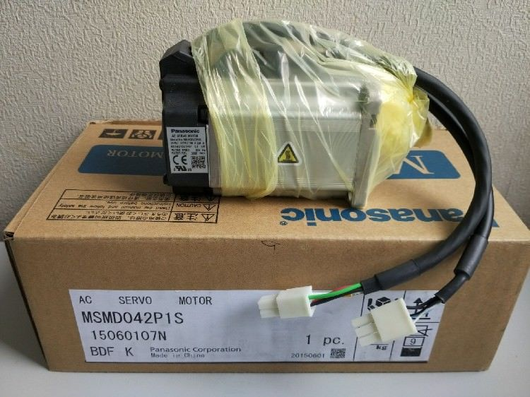 100% NEW PANASONIC servo motor MSMD042P1S in box