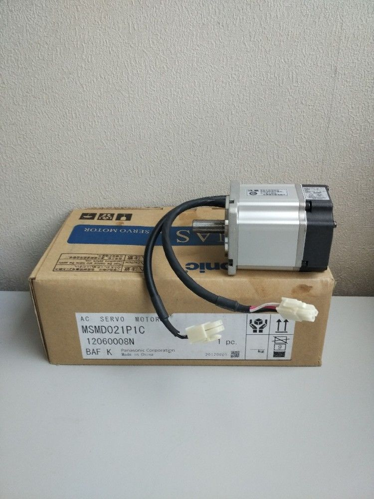 100% NEW PANASONIC Servo motor MSMD021P1C in box