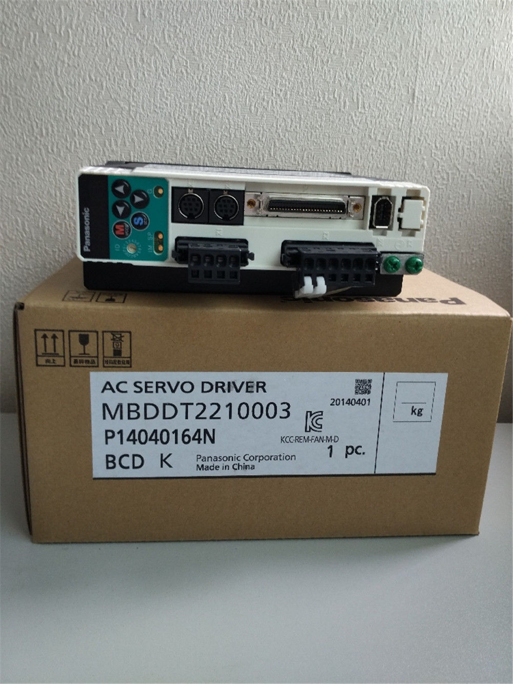 BRAND NEW PANASONIC Servo drive MBDDT2210003 400W in box