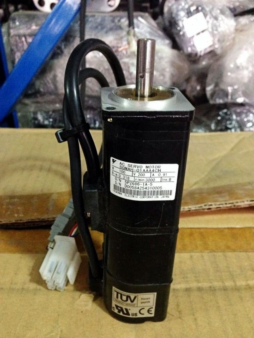 Yaskawa USED 100% TESTED AC SERVO MOTOR SGMAH-01AAA4CH SGMAH01AAA4CH in stock
